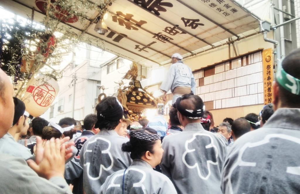 三社祭大神輿